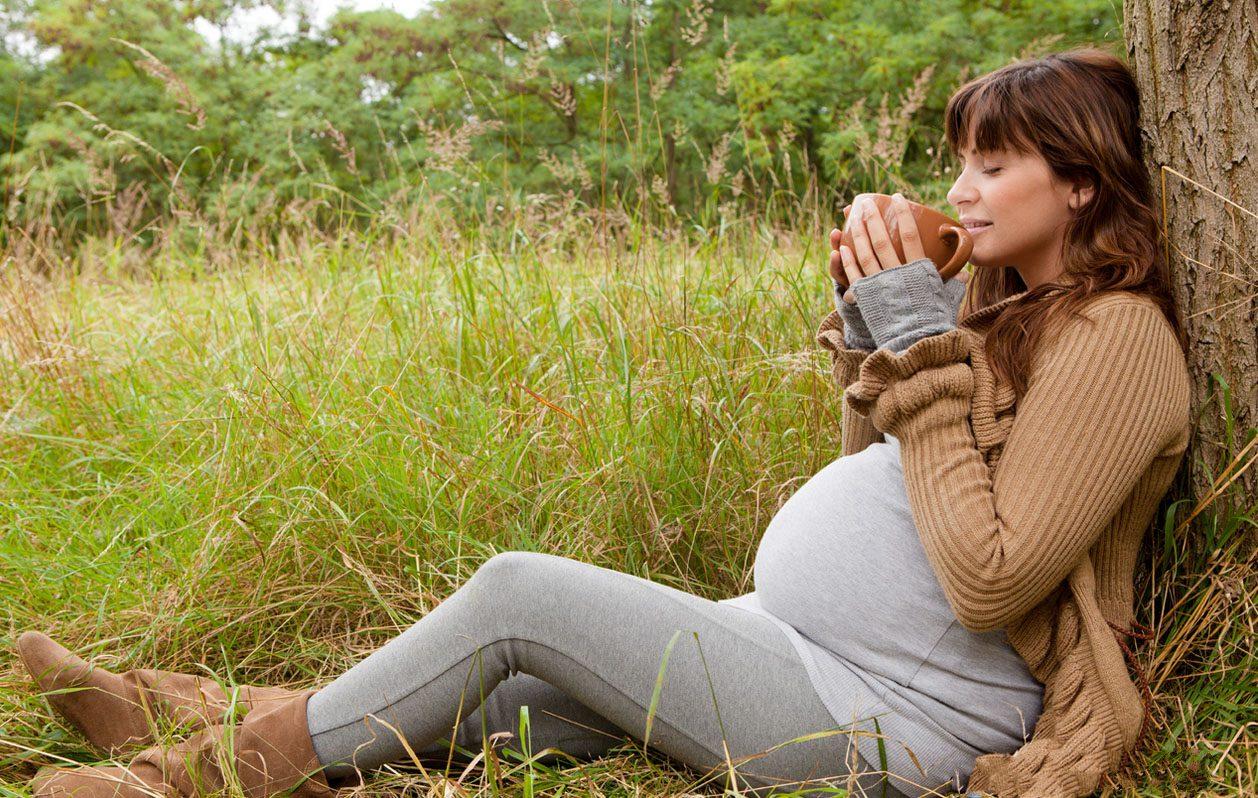 Фотографии беременных девушек на природе