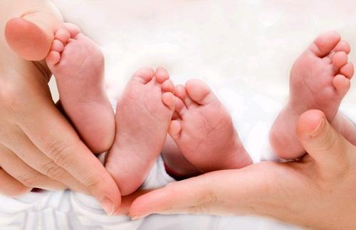 При развитии многоплодной беременности, Arizona