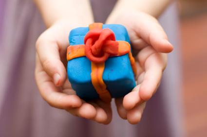 подарок из пластилина